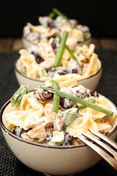 Nudelsalat mit Walnüssen, Weintrauben und Frischkäse-Dressing   Kochmädchen