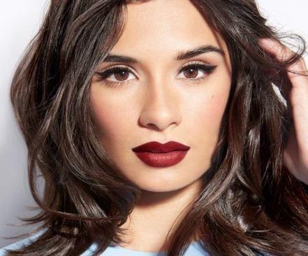 45 trendiges Make-up für braune Augen rote Lippen dunkle Haut – #augen #braune …