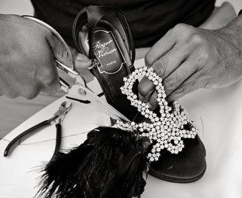 Scarpe gioiello, principesse e star: 60 anni di stile Roger Vivier