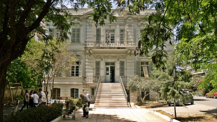 This 1879 villa by architect Xenophon Paionidis houses the School for the Blind since 1948. (Walking Thessaloniki - Route 15, Faliro)