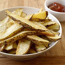 This easy-to-make Oven Fries #recipe is very versatile: sprinkle with garlic or chili powder halfway through baking, or sprinkle with chopped fresh herbs before serving. & pssst! Potatoes are a good source of nutrients like potassium & vitamin C, so enjoy this guiltless snack! #WWLoves