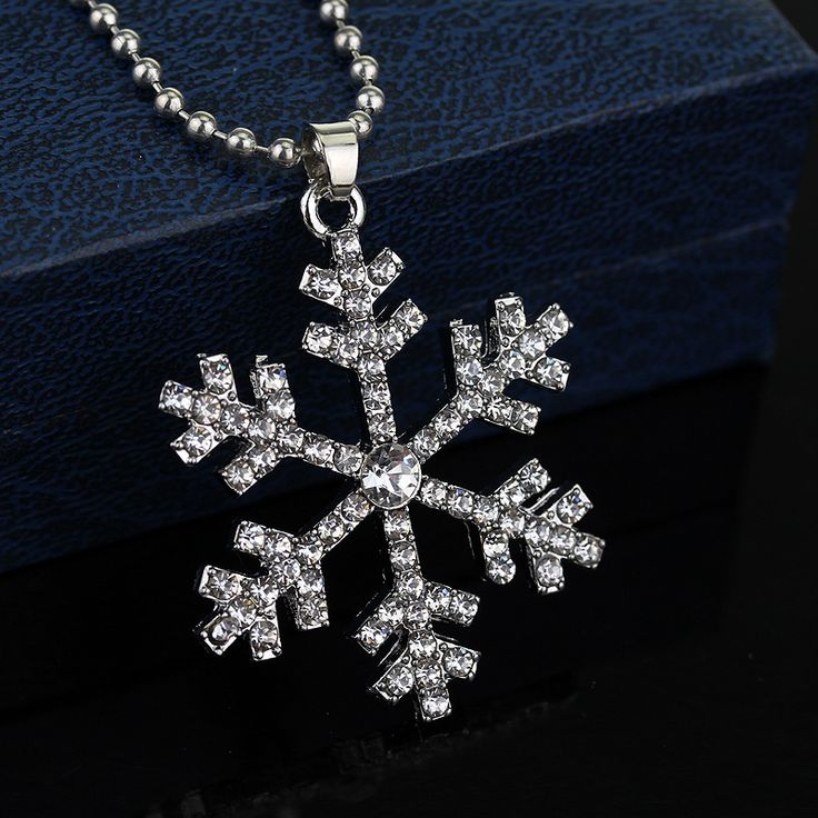 Trendy New Fashion  Snow Crystal  Pendants Necklaces & For Women Of Necklace Blue And White Color For Women Banquet Simple Jewel