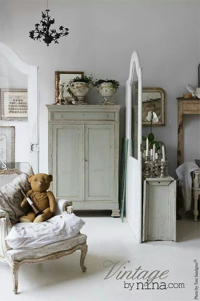 17 Images About Vintage Home Decor On Pinterest Brocante Shabby And Chairs