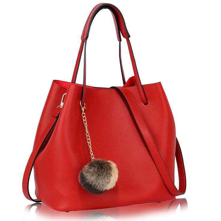Barva kabelky: červená. Velikost 33 cm (Š) a 27 cm (V). Vyjímatelná taštička ze stejného materiálu jako kabelka je součástí.