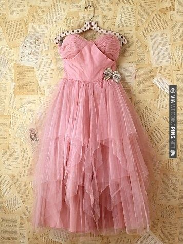 vintage pink tulle dress for a wedding. | CHECK OUT MORE IDEAS AT WEDDINGPINS.NET | #bridesmaids