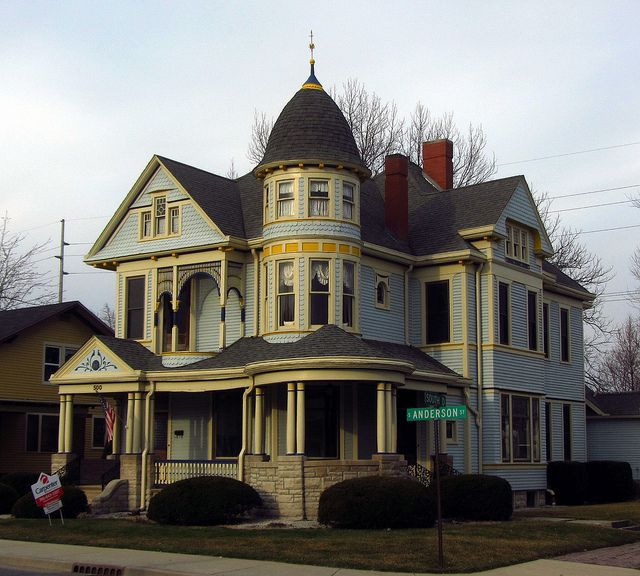 475 best images about victorian houses on pinterest for Victorian manor house