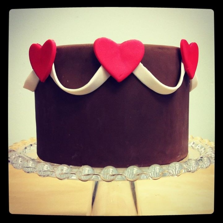 How cute is this adorable heart themed cake by my friend tessa of the
