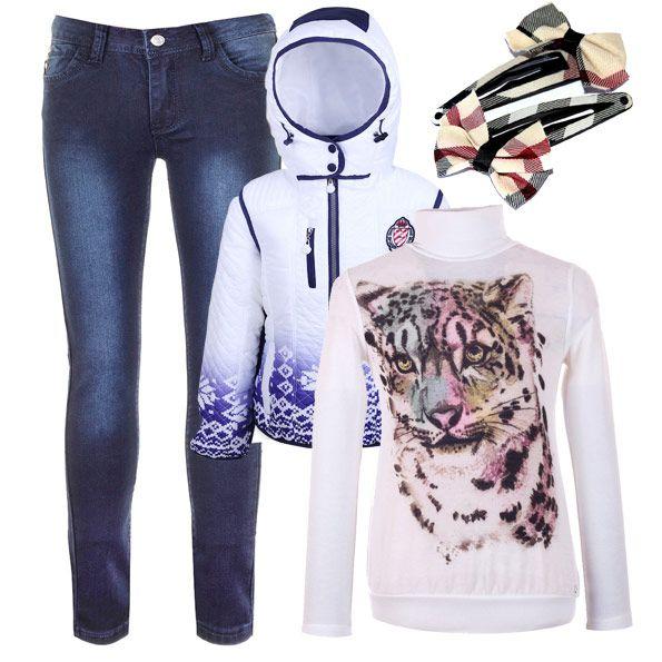 Стильные джинсы скинии в зимнем сезоне как нельзя лучше сочетаются с трикотажными водолазками и куртками-аляска.