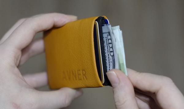Minimalist wallet with RFID blocking for Mens or Womens and leather handmade