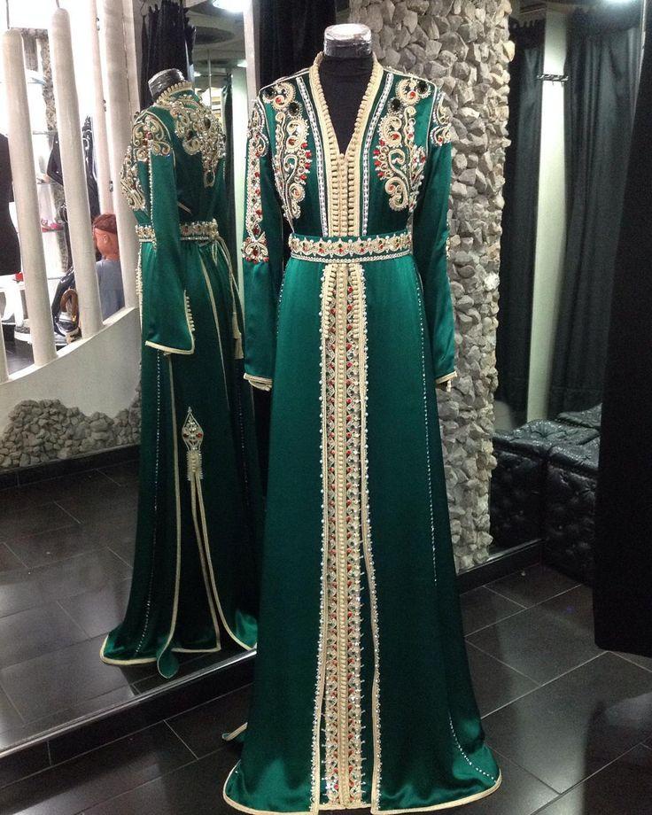 « @romeo_haute_couture @sissiavecromeo #top #topmodel #caftan #caftanmarocain #arab #marrakech #maroc #fashion #fashionista #family تصاميمي للمرأة الحسية و… »
