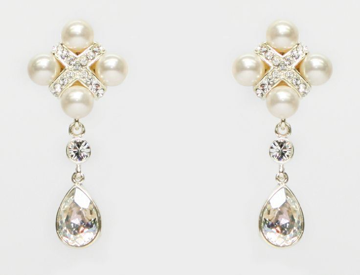 This earring is vintage victory 131022-E MADE WITH SWAROVSKI ELEMENTS