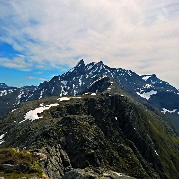 Romsdalseggen med Vengetindane i bakgrunnen, Møre og Romsdal 🇳🇴