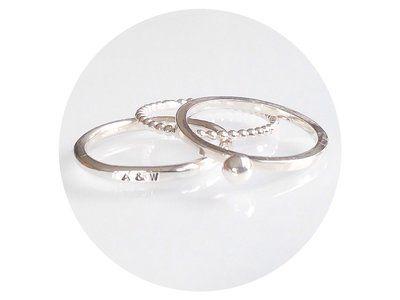 Drie schuifringen met initialen www.tinytales.nl  #zilver #sieraden #tekstring #gepersonaliseerd # ring #tekstsieraad #kado #cadeau