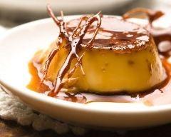 Flan au caramel fait maison facile : http://www.cuisineaz.com/recettes/flan-au-caramel-fait-maison-facile-79642.aspx