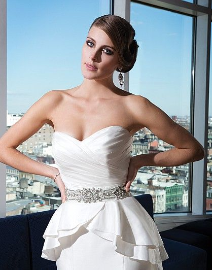 Justin alexander signature wedding dresses style 9739 for Fenster 80 x 90