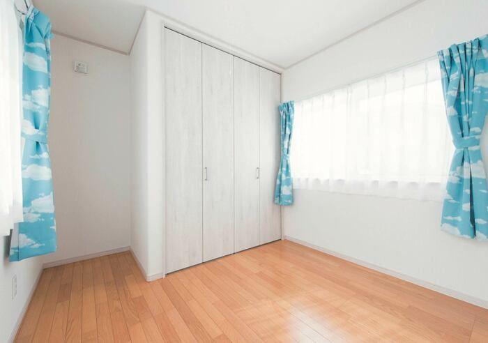 暮らしやすさと家事動線に配慮したl字型平屋の家 2020 平屋の家