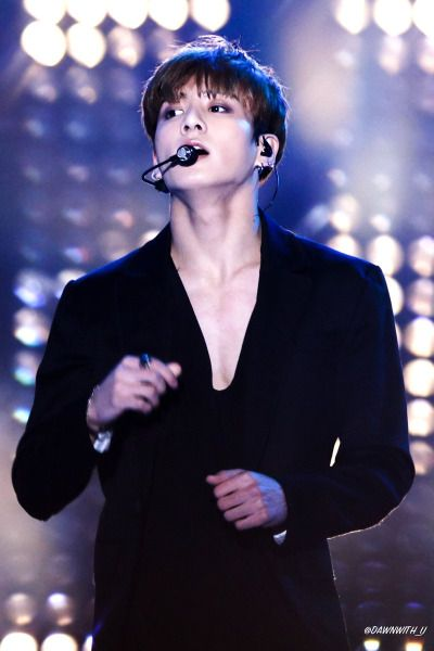 I can imagine just by seeing his chest how defined have to ...