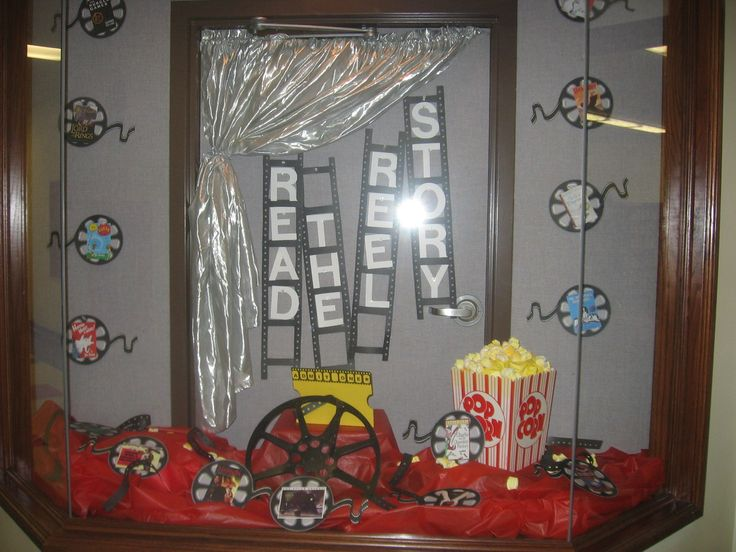 Hollywood Theme Decorations | Hollywood Themed Library and Language Arts Back To School Bulletin ...