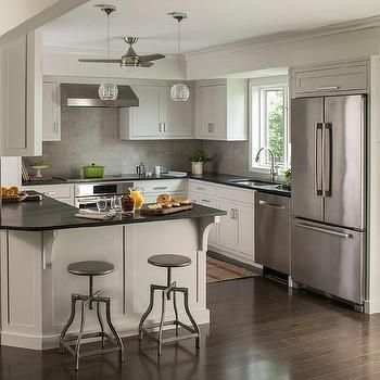 Best Extra Light Gray Kitchen Cabinets With Black Quartz 400 x 300