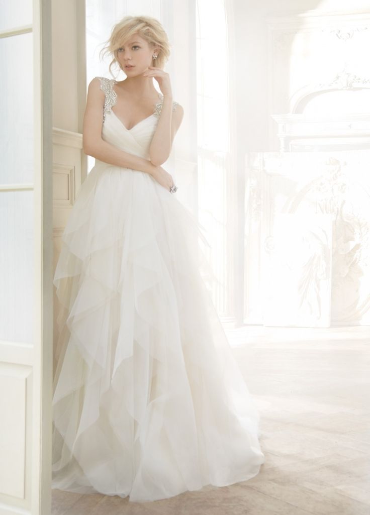11 best Hayley Paige Bridal Gowns images on Pinterest | Wedding ...