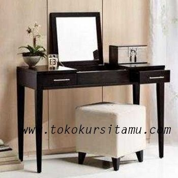 Meja Rias Minimalis Hitam MRS-004 ini mengusung tema simpel minimalis menjadi produk terlaris meja rias yang paling diminati remaja.