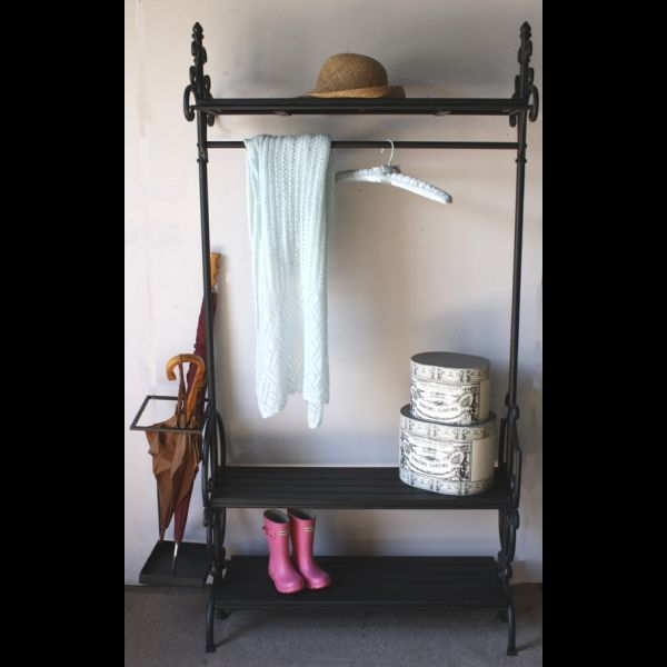 Antique vintage style black wrought iron clothes rail for Lampe style shabby chic