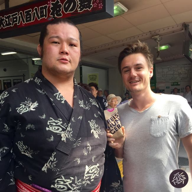 REISHUNGER Sushi Reis im Heimaturlaub in Japan #reishunger #reisaufreisen #reisneid #sumo #ringer #japan #sushi #reis