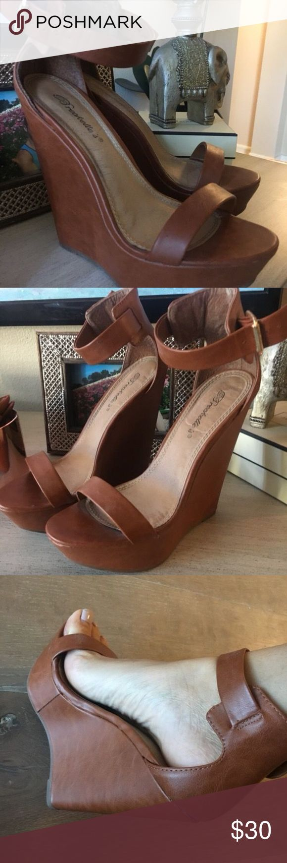 "Women's Tan Wedge Sandals. Size 7.5 From Nordstroms, SUPER LIGHT! These shoes are comfortable, although they are a high wedge they are not heavy!  I only wore them a few times as I grew out of my ""wedge"" phase but i feel like they are making a comeback!  Even though I only wore them once or twice i am lowering the price bc they are 4 years old! oldie but a goodie !! 💗 Nordstrom Shoes Wedges"