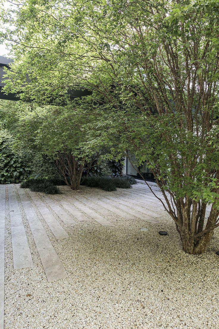 Jardim com pedriscos de Alex Hanazaki