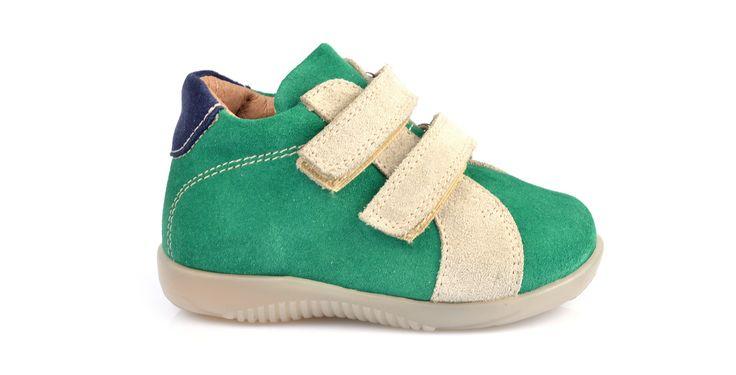 154/Verde Panna Sneakers in camoscio verde con inserti panna. #galluccishoes #kids #shoes #sneakers #camoscio #strap #SS16