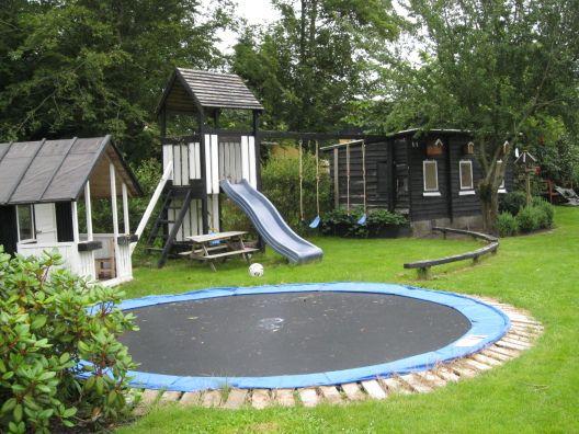 Unas vacaciones con colchoneta, tobogan, parque infantil, cabaña y juegos... ¡¿Dónde?! ¡En #Bruselas!