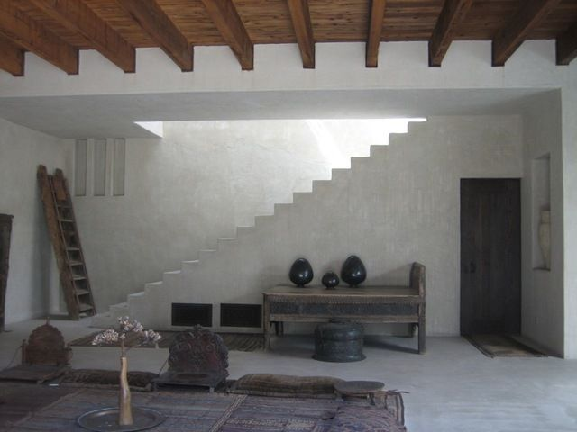 Simple look that could be recreated on a budget with american clay: Moroccan Style Venice Beach : Remodelista: House Tours, Venice Beaches, Jones Oasis, Country House, Apartment Therapy, Dreams House, Philip Dixon, Philip Indiana, Indiana Jones