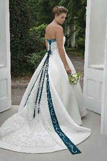 Best 25+ Irish wedding dresses ideas on Pinterest | Lavender ...