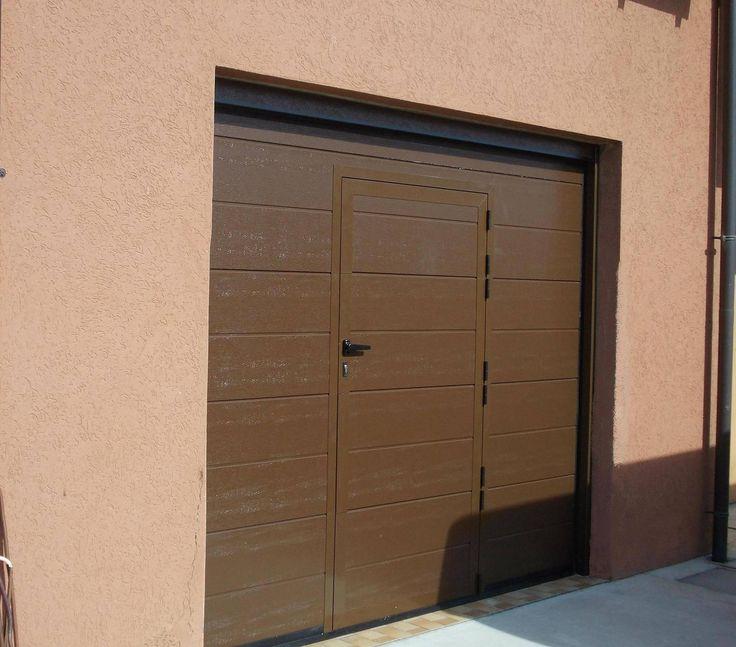 Porta da garage apertura automatica con portina pedonale