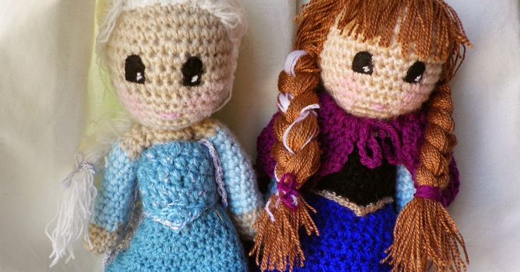 El verano pasado le prometí a mi sobrina Irene que le iba a tejer para su santo (en octubre) a las hermanas de Frozen, pero con el nacimi...