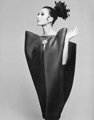 V&A: Balenciaga: Shaping Fashion