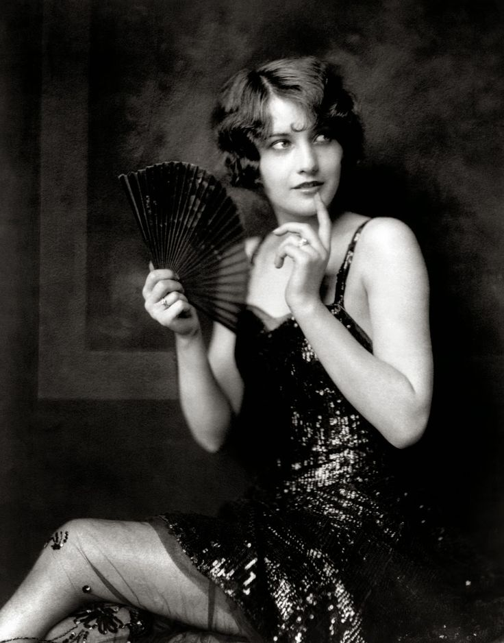 Barbara Stanwych vintage everyday: Old Portraits of 20 Flappers with Sad Eyes