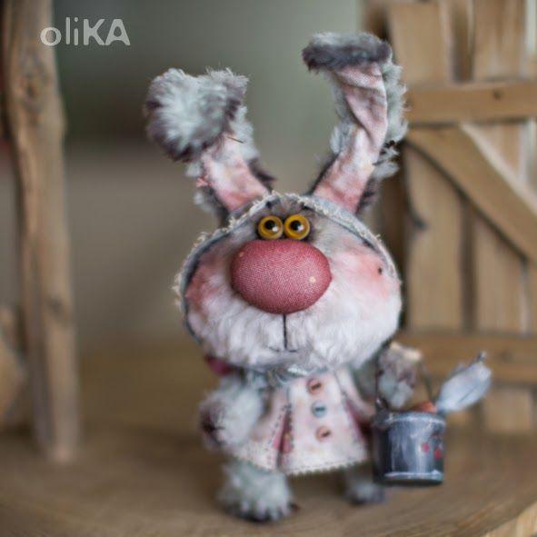 Жила была зайка Маруська - маленькая, всего 7,5 см росту, и очень пугливая. Вот послала как-то зайчиха-мама Маруську к бабуле в гости. Выде...