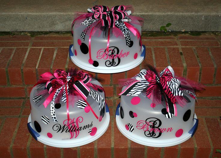 CuteCrafts Ideas, Cricut Crafts, Gift Ideas, Cute Ideas, Personalized Cake Carriers, Wedding Shower Gift, Decor Cake, Cricut Cake Carriers, Homemade Cake