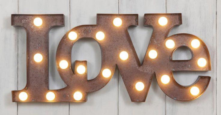 Personaliza tu hogar o evento con carteles luminosos | Pensata