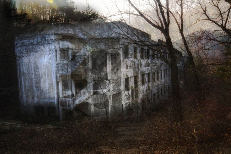 Haunting Images Of An Abandoned Mental Hospital