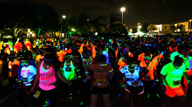 Neon Running Dance Party- The Rave Run YES PLEASE!! - running bucket list