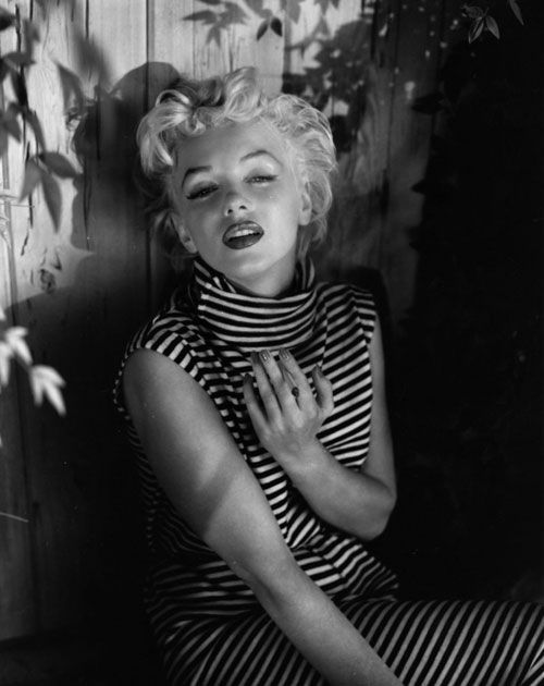 Marilyn monroe private rare photographs casual marilyn - Marilyn monroe diva ...