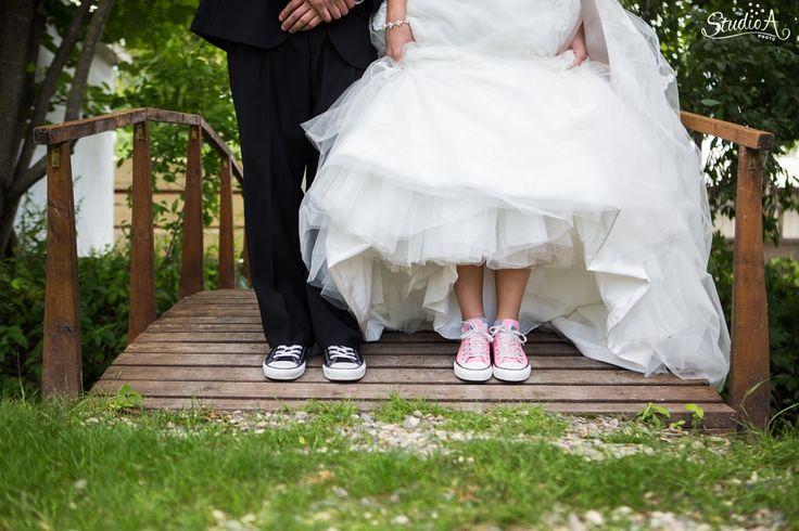 dan...impianku adalah, ketika aku menikah nanti. Sepasang sepatu inilah yang akan aku kenakan (^_^)