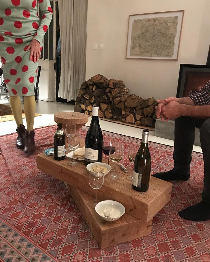 "62 likerklikk, 5 kommentarer – L.Y (@liyu.yeo) på Instagram: ""Dining with stylish friends tonight #dinnerparty #paris #homedinner #geometricpatterns…"""