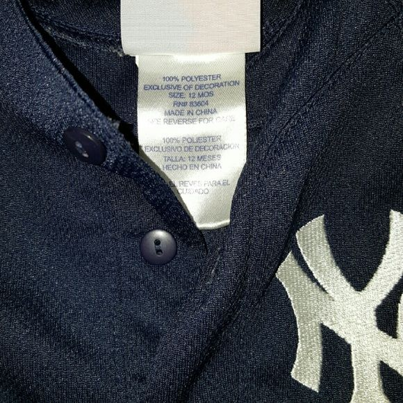 2 Baby new york Yankee outfit Take both  Official baseball clothing Gray outfit is size 18 months Blue outfit is 12 months Smoke free home  Great condition majestic Other