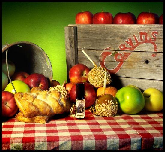 CORVIN'S APPLE FEST PERFUME OIL 5 ml - Apple Pastries, Fresh Apples, Caramel Apples, Warm Apple Cider, Vanilla