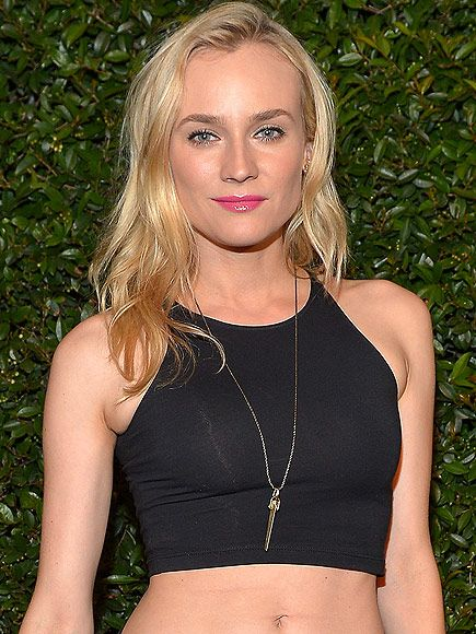 It Only Costs How Much?! Stars Who Love a Bargain | JEWELMINT NECKLACE | While others may have been distracted by her bare abs and printed pants, we couldn't take our eyes off of Diane Kruger's amazing $30 JewelMint pendant.