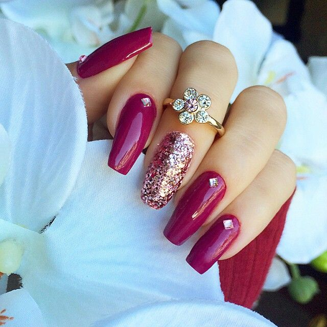 Burgundy & gold nails