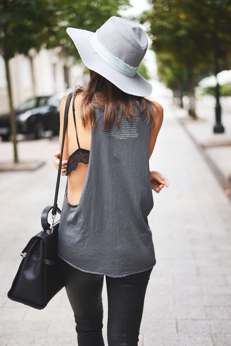 muscle t-shirt and hat